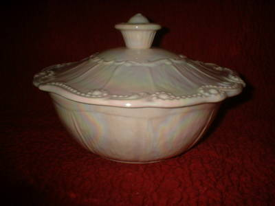 California_Pottery_Covered_Serving_Dish_001