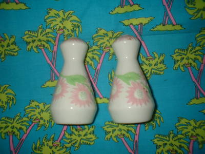 pretty_pink_and_green_salt_and_pepper_001